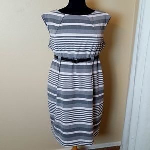 💜 Calvin Klein Gray & White Sheath Dress